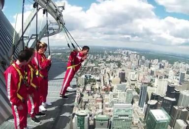 CN TOWER EDGEWALK!!!! TORONTO, CANADA